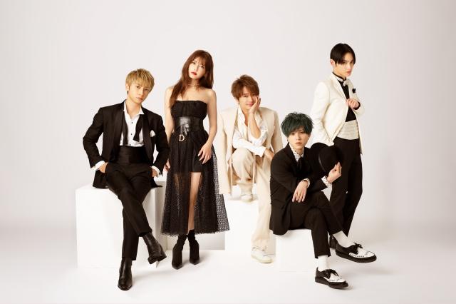 AAA(左から)與真司郎、宇野実彩子、西島隆弘、末吉秀太、日高光啓の画像