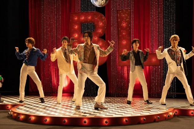CS「テレ朝チャンネル1」のオリジナルドラマ『絶対BLになる世界 vs 絶対BLになりたくない男』(3月27日放送)オープニングでは踊って、歌う (C)テレビ朝日の画像
