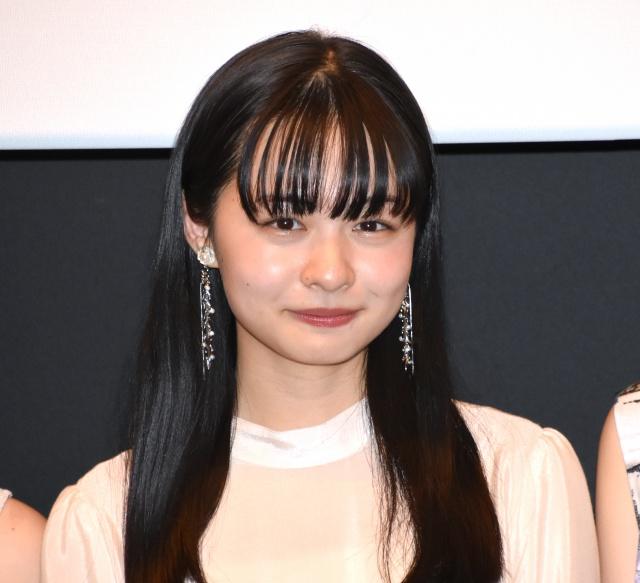 劇場版『DISTORTION GIRL』プレミア上映後舞台あいさつに登壇した莉子 (C)ORICON NewS inc.の画像