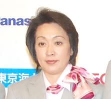 古賀稔彦さんを追悼した橋本聖子会長(中央)の画像