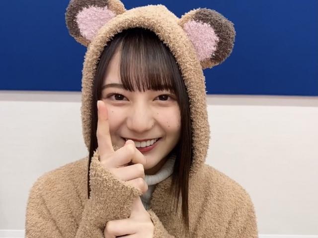 """『日向撮』公式ツイッターで""""たぬきコスプレ""""を披露した小坂菜緒の画像"""