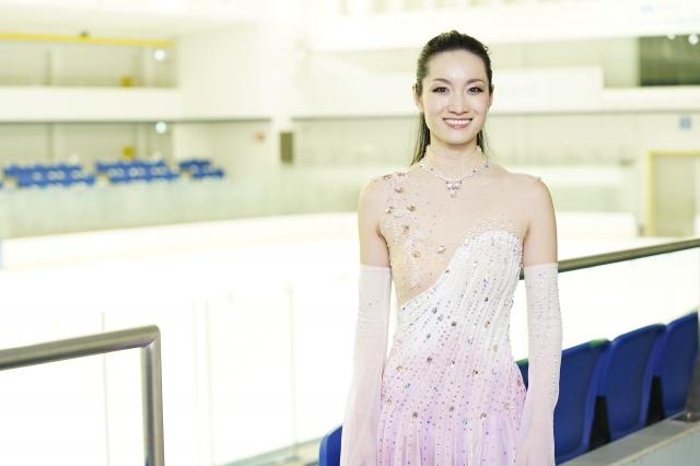 auスマートパスプレミアムオリジナルコンテンツ『au5G × Figure Skating』に出演する荒川静香の画像