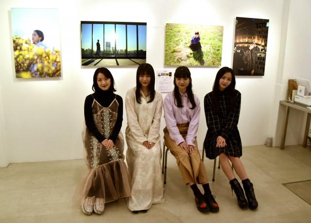 初の写真展に喜びを見せた東京女子流(左から)中江友梨、庄司芽生、新井ひとみ、山邊未夢 (C)ORICON NewS inc.の画像