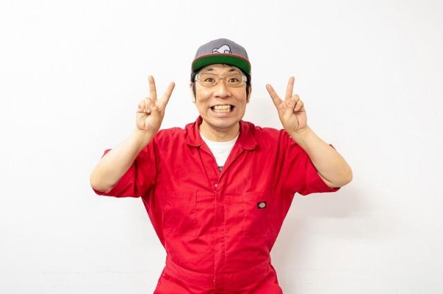 YouTube『吉本プラモデル部チャンネル』の配信を積極的に行っている佐藤哲夫(パンクブーブー) 写真提供/吉本興業の画像