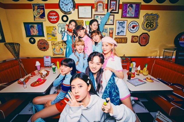 4月7日に2ndシングル「Take a picture/Poppin' Shakin'」をリリースするNiziUの画像