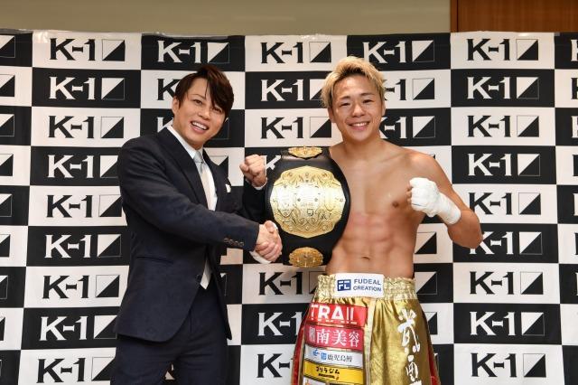 『K-1 WORLD GP 2021 JAPAN~K'FESTA.4 Day.2~』に登場した(左から)西川貴教、武尊の画像