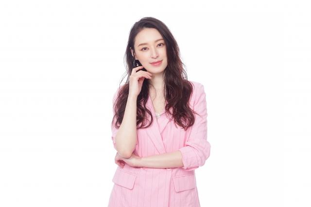 ドラマ『ラブコメの掟~こじらせ女子と年下男子~』に主演する栗山千明 (C)テレビ東京の画像