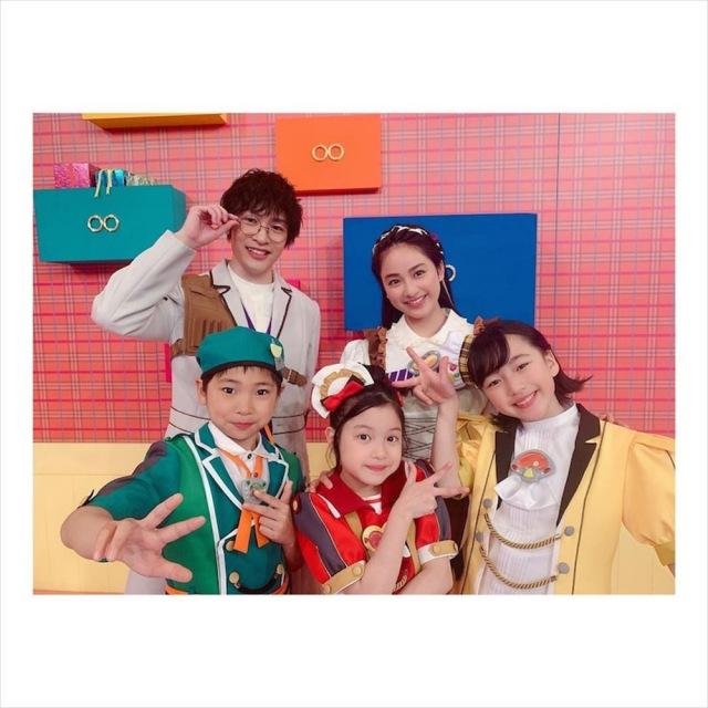 『ゴー!ゴー!キッチン戦隊クックルン』の仲間たちと(平祐奈オフィシャルブログより)の画像