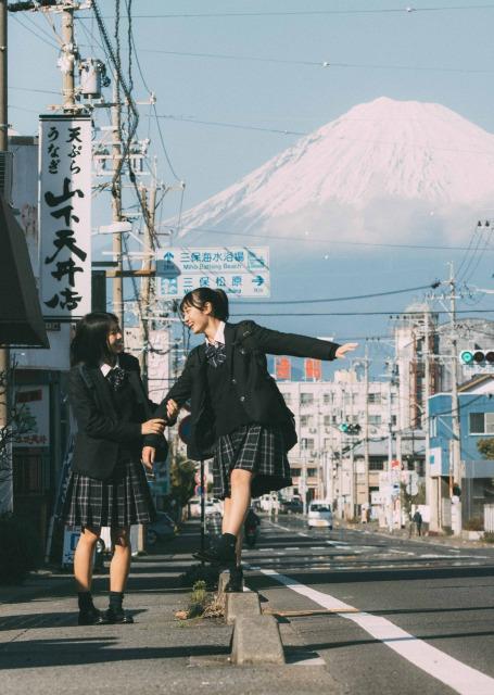 """大きな反響を集めた""""日本一映える""""女子高生の写真 写真提供:うちだしんのすけさん(@SinPictures)の画像"""