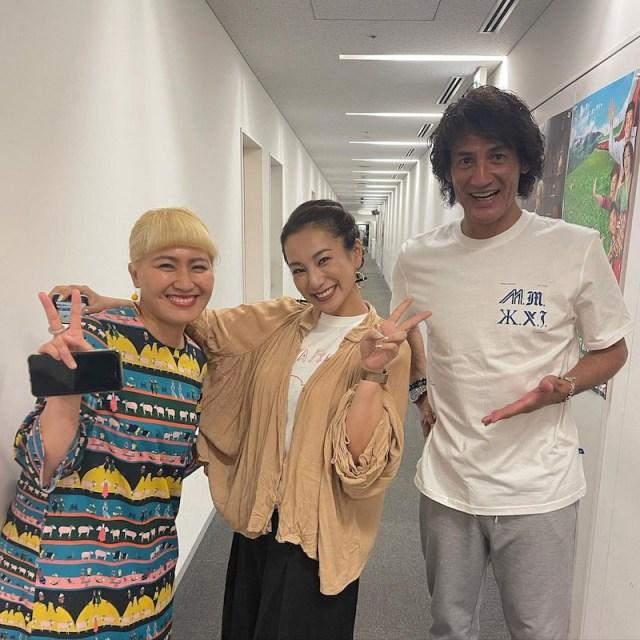 現在の(左から)丸山桂里奈、三船美佳、本並健治氏=丸山桂里奈のオフィシャルブログよりの画像