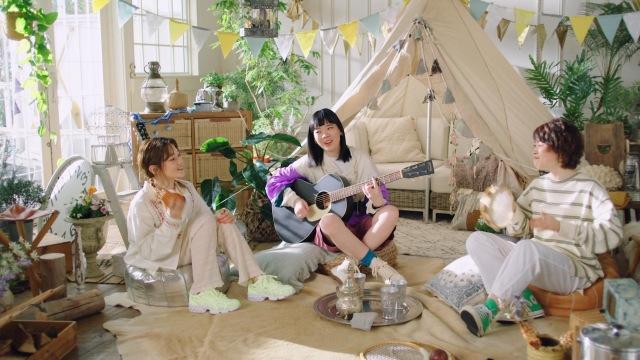 SHISHAMOがCMソングを手掛け、出演したロッテ『ZEROアイス』新WEBCM『ゼロなのにかなりアリ』篇よりの画像