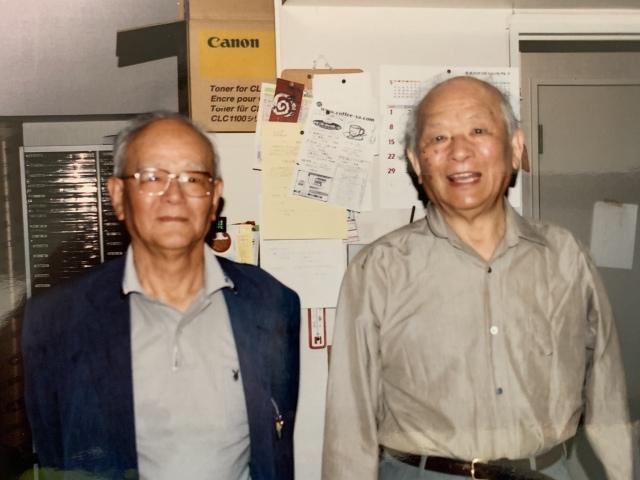 (左から)武良幸夫さんと水木しげるさん(写真はTwitterより/掲載許諾済み)の画像