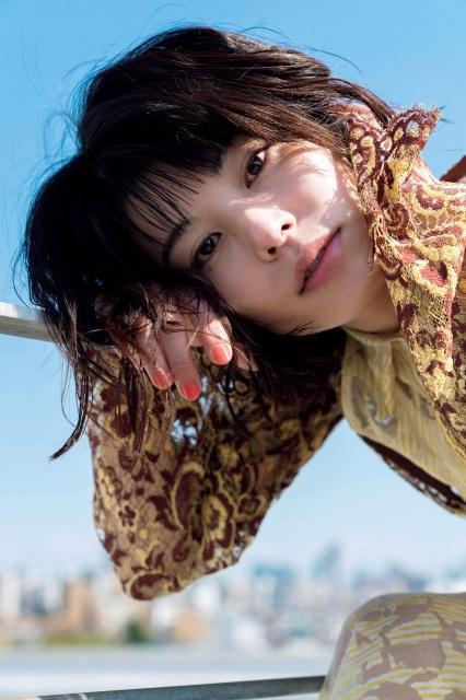 『FLASH』4月13日発売号に登場するさとうほなみ(C)光文社/週刊FLASH 写真◎木村哲夫の画像