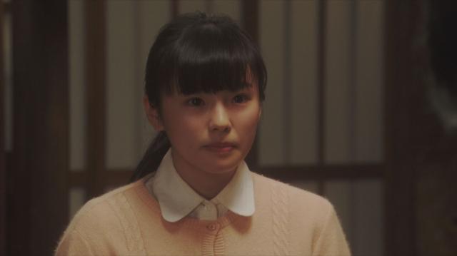 焼け跡での「マットン婆さん」の芝居を見て、鶴亀新喜劇への加入を決意した朝日奈灯子(小西はる)=連続テレビ小説『おちょやん』第19週・第93回より (C)NHKの画像