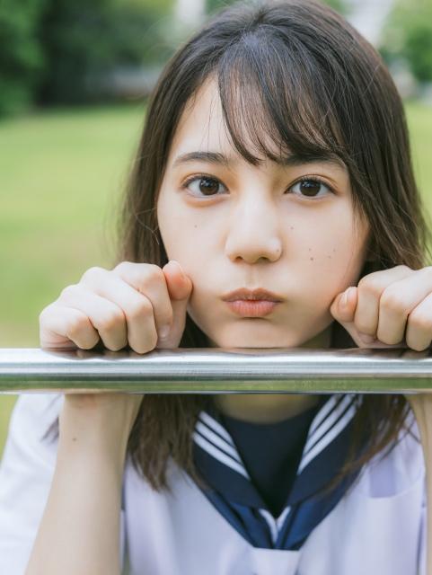 日向坂46・小坂菜緒1st写真集の発売が決定 撮影/藤原宏の画像