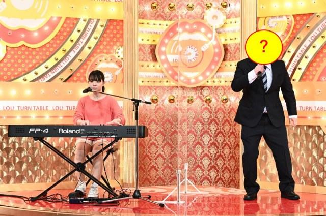 18日放送のバラエティー『爆笑!ターンテーブル』にYouTuber・社畜系ニートkame、初の顔出し出演 まなまるとコラボ(C)TBSの画像