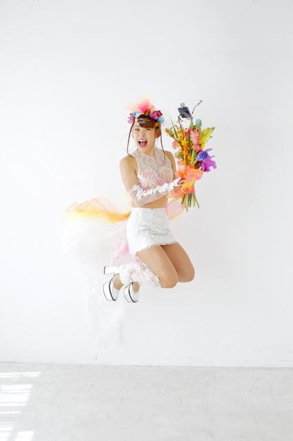 『ゼクシィ海外ウエディング 2021 Summer Autumn』に登場するフワちゃんの画像