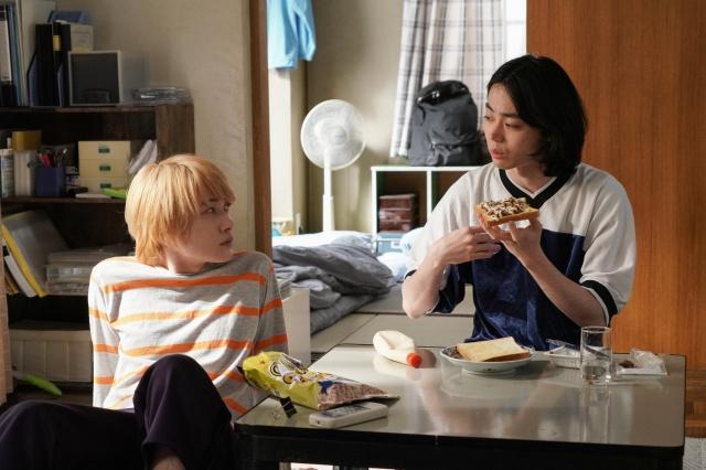 24日放送の『コントが始まる』第2話に出演する神木隆之介、菅田将暉 (C)日本テレビの画像