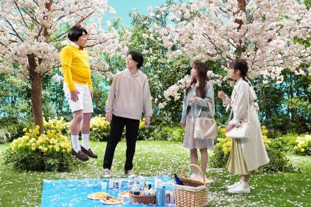 『ぶっとび!飛美男くん』左から)松尾駿、粗品、鷲見玲奈、藤本万梨乃フジテレビアナウンサー