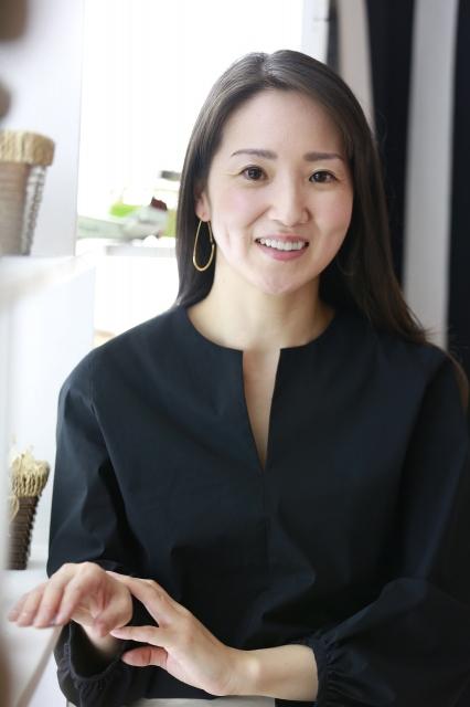 小説家デビューを果たした日本テレビ現役キャスターの鈴木あづさ氏の画像