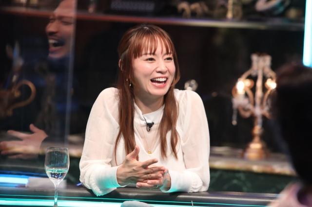 23日のフジテレビ系『人志松本の酒のツマミになる話』に出演する鈴木亜美(C)フジテレビの画像