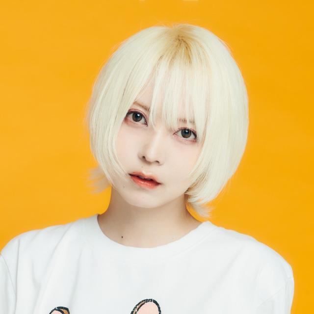 NHK総合の新番組『夜光音楽 ボカロP 5min.』MCを務めるみゆはんの画像