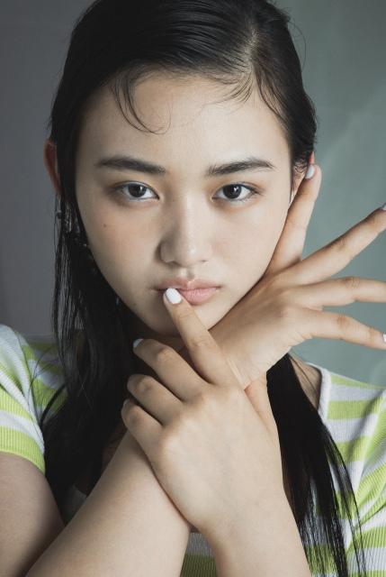 『ViVi』9月号よりViVi専属モデルになることが決定した櫻坂46・山崎天の画像