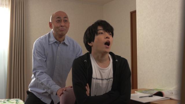 なにわ男子のバラエティー『まだアプデしてないの?』に出演する(左から)長谷川まさのり、西畑大吾 (C)テレビ朝日の画像