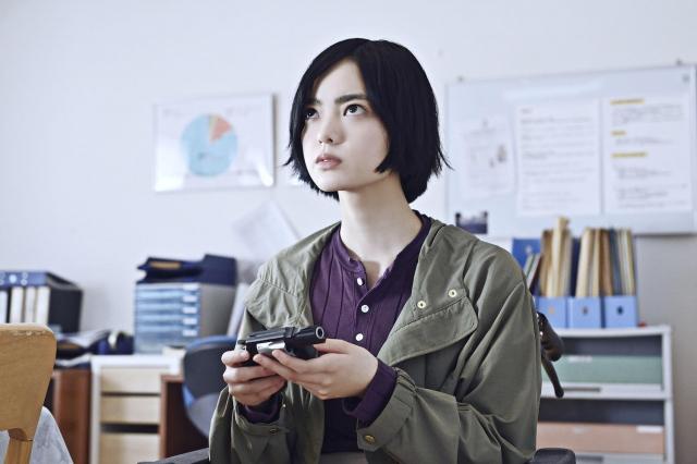 映画『ザ・ファブル 殺さない殺し屋』に出演する平手友梨奈 (C)2021「ザ・ファブル 殺さない殺し屋」製作委員会の画像