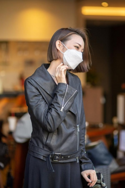 『LALA KF94⾼性能マスク』の装着イメージの画像