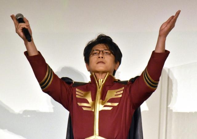 シャア・アズナブルの衣装に感激した及川光博 (C)ORICON NewS inc.の画像