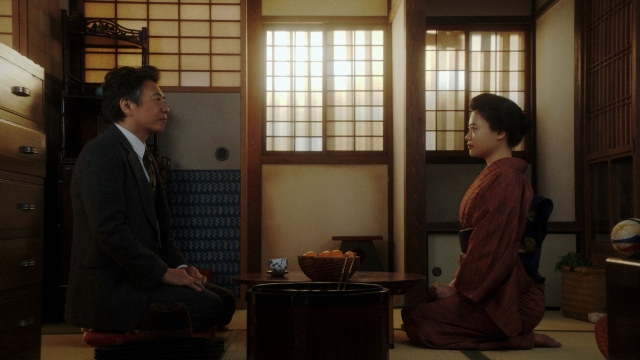 長澤(生瀬勝久)は千代(杉咲花)本人を説得しようと出向くのだが…=連続テレビ小説『おちょやん』第21週・第104回より (C)NHKの画像