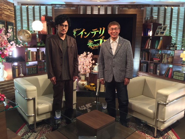 ABEMA『7.2 新しい別の窓#38』(5月2日放送)で稲垣吾郎(左)と若松節朗監督がトークの画像
