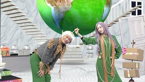 『いとしの地球アワー』で宇宙人MCとなる安田顕&壇蜜(C)NHKの画像