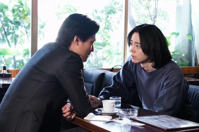 1日放送『コントが始まる』に出演する毎熊克哉、菅田将暉 (C)日本テレビの画像