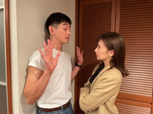 TBS系ドラマ『リコカツ』(左から)永山瑛太、北川景子のオフショットの画像