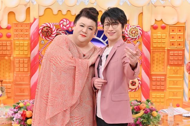 『マツコの知らない世界』に出演する(左から)マツコ・デラックス、及川光博 (C)TBSの画像