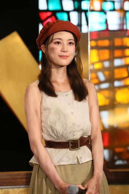 『レ・ミゼラブル』初日記念会見に出席した乃木坂46・生田絵梨花の画像