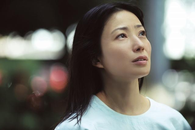 映画『明日の食卓』(5月28日公開)石橋留美子(菅野美穂)(C)2021「明日の食卓」製作委員会の画像