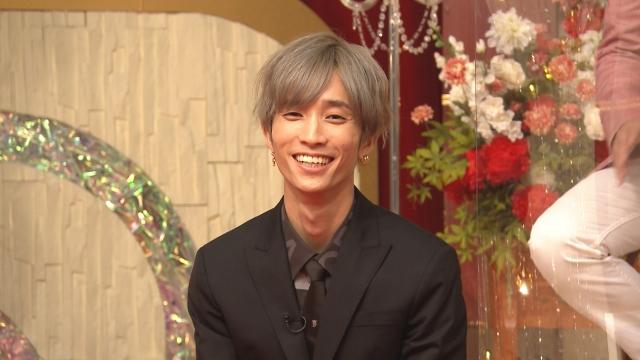 27日放送『ものまねのプロ215人がガチで選んだ いま本当にスゴい!ものまね芸⼈ランキング』に出演するSixTONES・田中様 (C)テレビ東京の画像