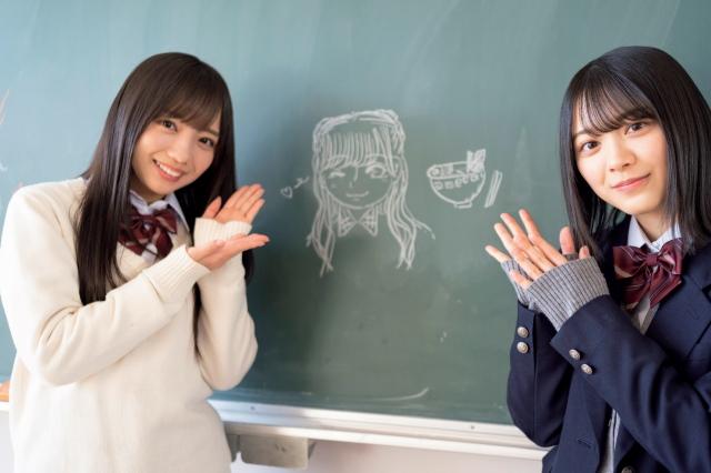 齊藤京子(左)の似顔絵とラーメンの絵を描いた森田ひかる(右)(C)光文社『ボーダレス 公式メモリアルブック』の画像