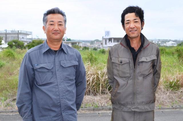 沖縄の葉たばこ農家、(左から)伊禮(いれい)安則さんと山城晴紀さん (C)oricon ME inc.の画像