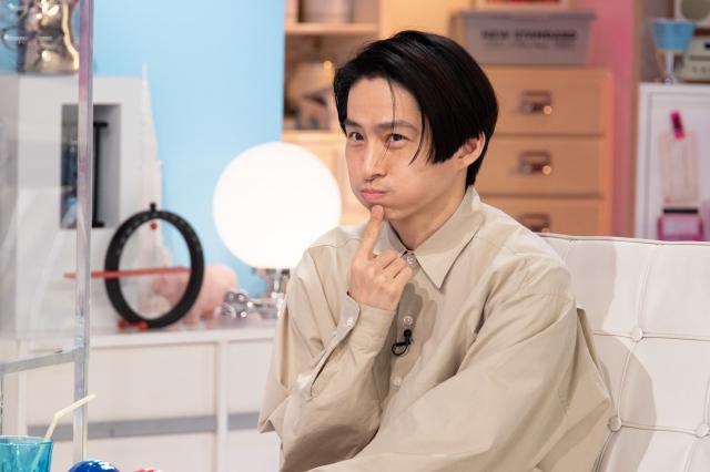 テレビ朝日系『あざとくて何が悪いの?』に出演する三宅健 (C)テレビ朝日の画像