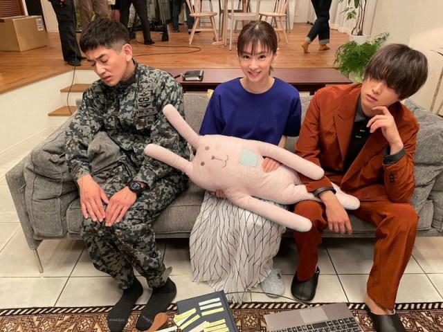 永山瑛太&北川景子&白洲迅の「どうも、間男で~す」シーンオフショット (ブログより)の画像