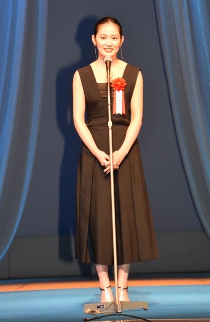『瞽女 GOZE』で『第30回日本映画批評家大賞』新人女優賞を受賞した吉本実憂 (C)ORICON NewS inc.の画像