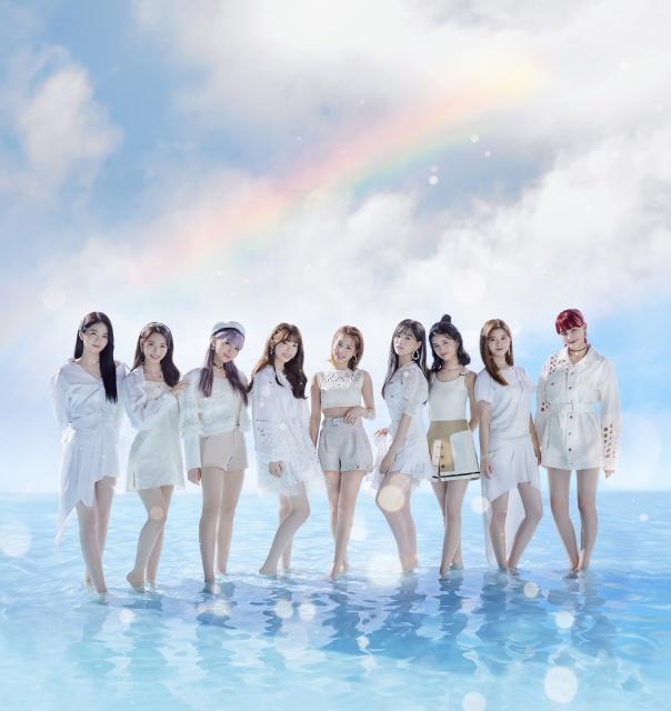 NiziUのデビュー曲「Step and a step」MVが公開半年で1億再生突破の画像