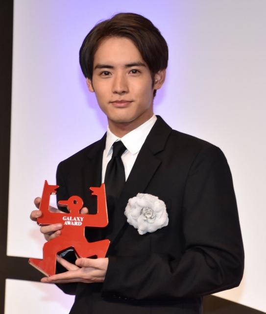 『第58回ギャラクシー賞』マイベストTV賞を受賞した赤楚衛二 (C)ORICON NewS inc.の画像
