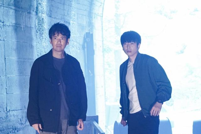 『ボイスII 110緊急指令室』に出演する唐沢寿明、増田貴久(NEWS) (C)日本テレビの画像