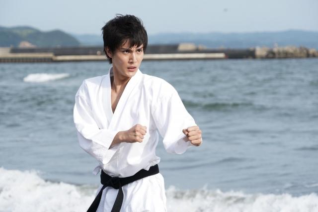 7月4日スタート『ボクの殺意が恋をした』クランクインを迎えた中川大志(C)読売テレビの画像