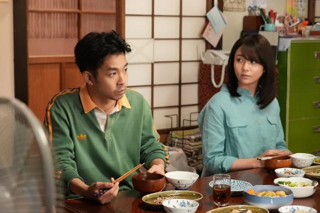 5日放送『コントが始まる』第8話に出演する仲野太賀、木村文乃 (C)日本テレビの画像